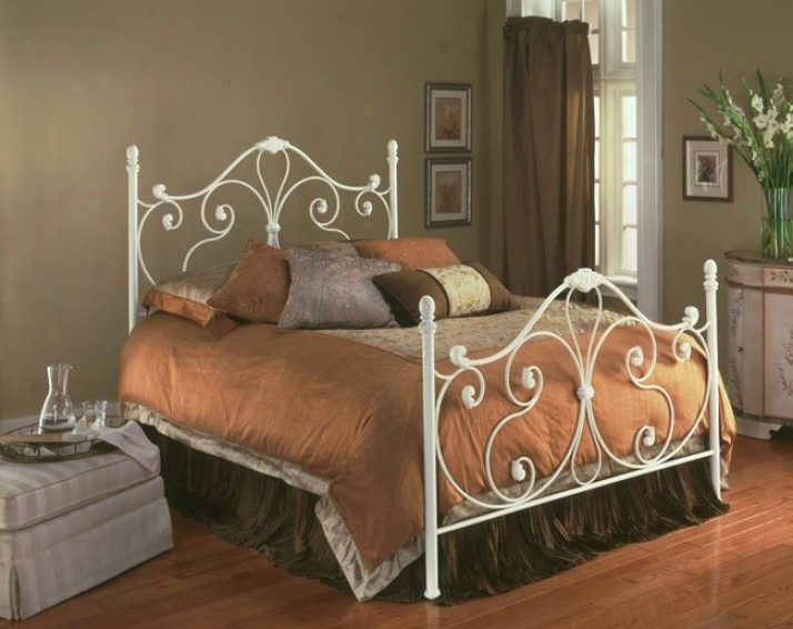 Aynsley Ivory Happy Metal King Bed W/bed Frame Head & Footboard