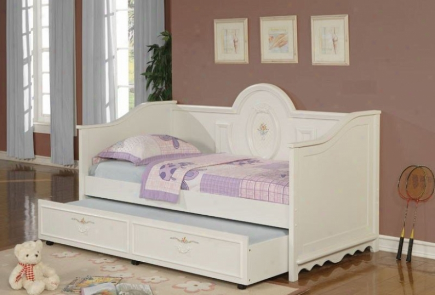 Daybed With Trundle In Warm White Finish