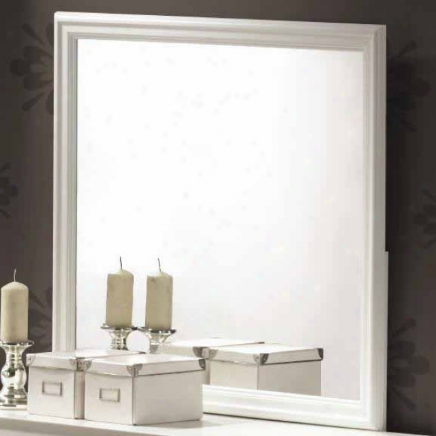 Dreeser Mirror In White Finished Form