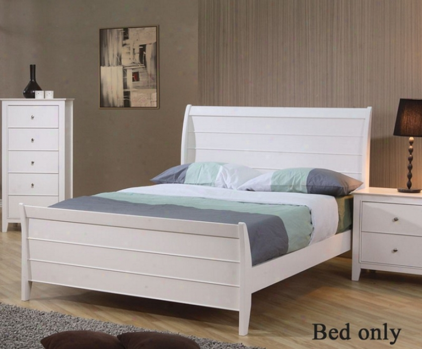 Full Sjze Sleigh Bed Cape Cod Style In White Finish