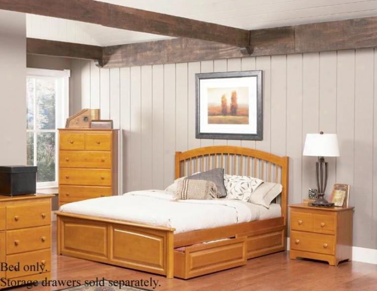Sovereign Size Windsor Style Platform Bed With Raised Pandl Footboard Caramel Latte Finish