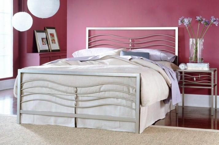 Malibu Iced Silver Finish Full Bigness Iron Metal Bed