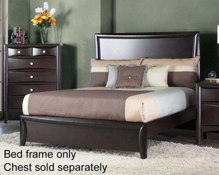 Queen Size Panel Bed With Raised Panel In Mahogany Finish
