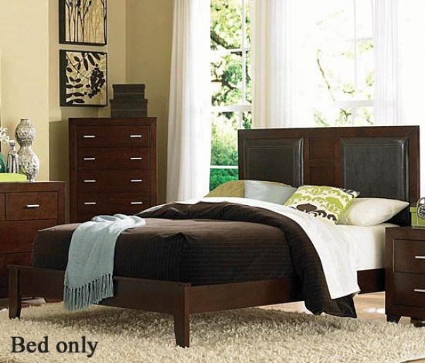 Queen Size Platform Bed In Cherry Finish