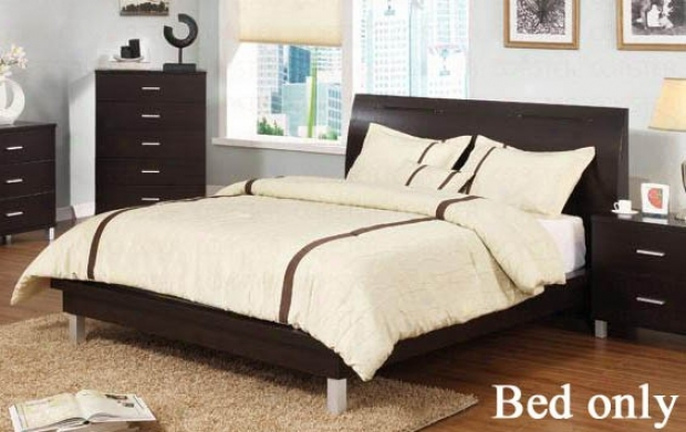 Queen Size Platform Bed With Metal Legs In Cappuccino Finish