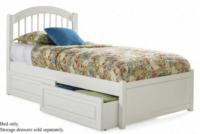 Queen Size Windsor Style Platform Bed With Flat Array Footboard White Finish