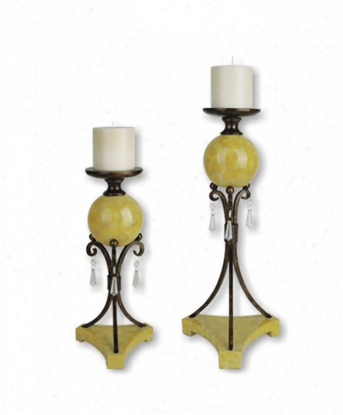 Set Of 2 Candleholders In Antique Brass Finish