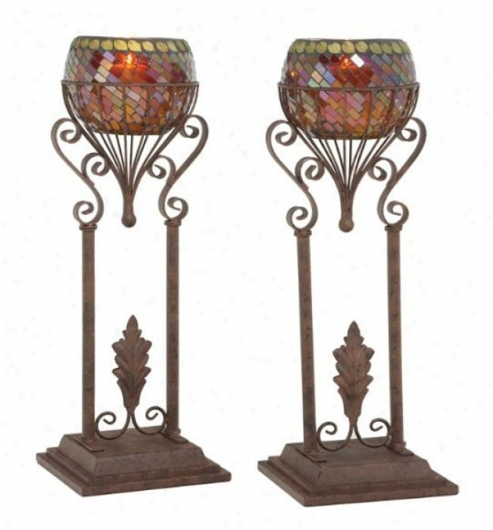 Set Of 2 Candleholders With Scroll And Leaf Design In Small change Finish