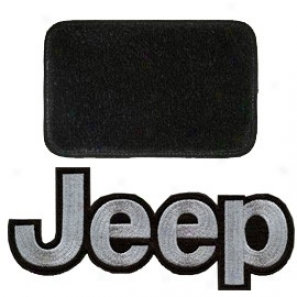 Ultimat Rear Cargo Mat Black With Silver Jeep Logo & No Subwoofer