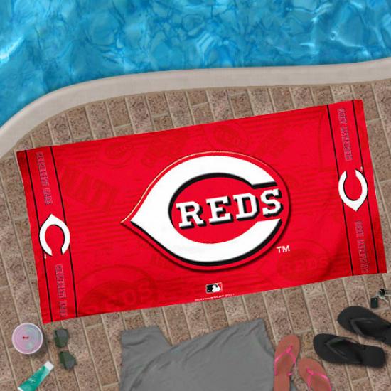 Cincinnati Reds 30'' X 60'' Red Beach Towel