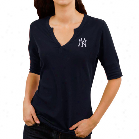 Cutter & Buck New York Yankees Ladies Assist Waffle Knit Premium Split V-neck T-shirt - Navy Blue