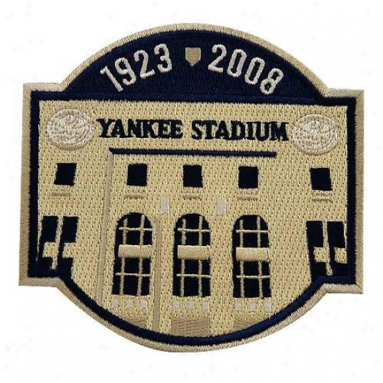 New York Yankees Embroidered Yankee Stadium Commemoragie Collectible Patch