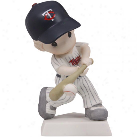 Precious Moments Minnesota Twins Boy Swing For The Fence Figurine