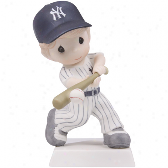 Precious Moments New York Yankees Boy Swing For The Fence Figurine