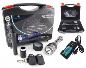 Combo: Olight M30 Triton Led Flashlight Kit + Tn270 Charger & 2 Pcs Tenergy 18650 3.7v 2600mah (buttontop W/ Pcb)