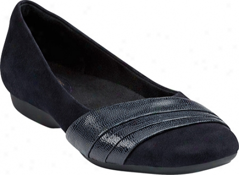 Clarks Chateau State (womdn's) - Navy Suede
