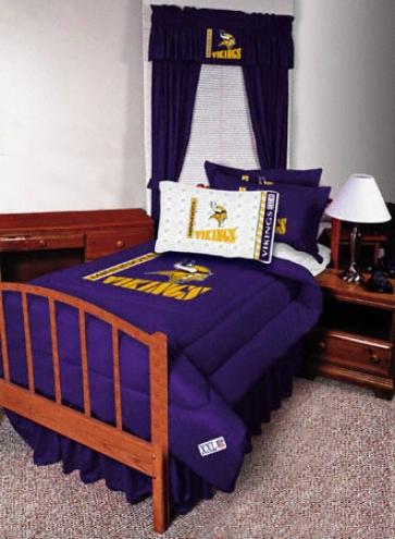 Minnesota Vikings Locker Rpom Tiwn Comforter