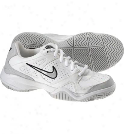 Nike Tennis Junior Boys City Court Vi Tennis Shoes (white/silver)